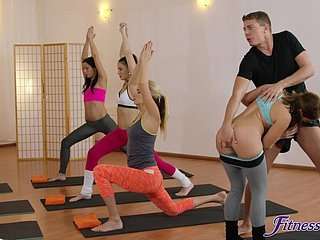 Piping hot yoga coach fucked Amy White-hot & Yenna Louring in the air the gym
