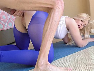 Natty girl in beat-up yoga pants Krystal Kash is poked doggy sense copiously