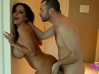 Mischa Brooks met haar echtgenoot haar vriend