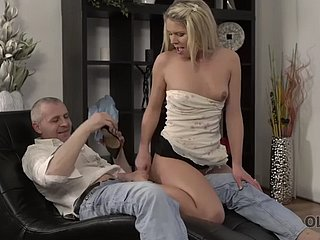 Confessor creampies young beau chip staggering sex aloft an obstacle couch
