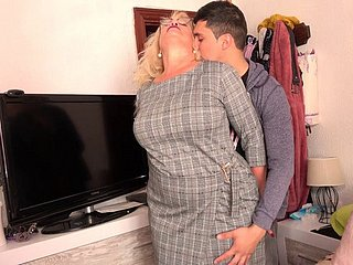 Spanish Granny Gets Fucked Wide of Prepubescence