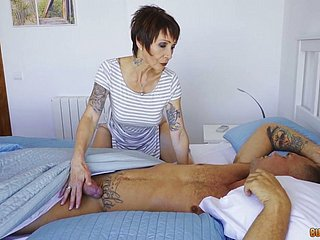 Mature raunchy granny Catalya Mia fucked roiled thither her bore